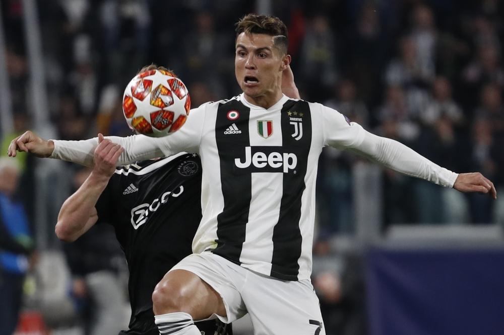 Christiano_Ronaldo_Football