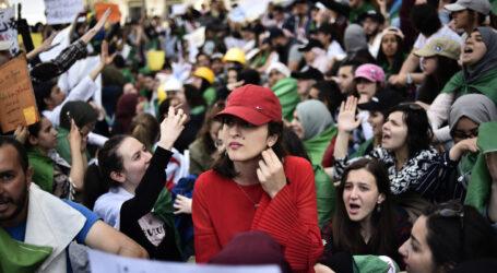 المسيرات الشعبية تتواصل في الجمعة ال 12 :  في سبيل  التغيير الجذري