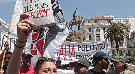 التأكيد على أهمية الوحدة الوطنية في المسيرة السلمية الـ 18 للطلبة