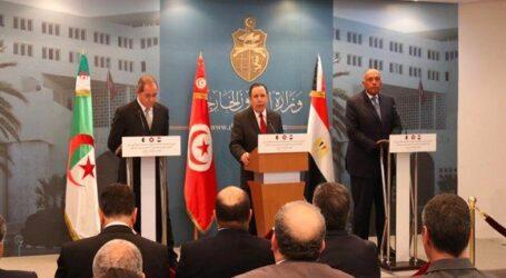 وزراء خارجية الجزائر وتونس ومصر يؤكدون دعمهم للحل السياسي في ليبيا
