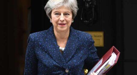 رئيسة الوزراء البريطانية تسعى لزيادة ميزانية التعليم 34 مليار دولار