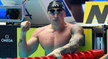 السباح البريطاني بيتي يدخل التاريخ بذهبيته الثالثة في 100 صدرا