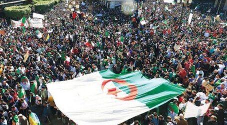حرآك عيد الإستقلال يطالب بتكريس الحريات و إرساء دولة القانون في كل أرجاء الوطن