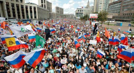 آلاف المتظاهرين في موسكو للمطالبة بانتخابات محلية حرة وعادلة
