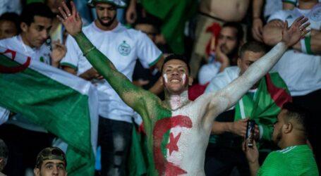 الكاف تفرض غرامة مالية ب 10 آلاف دولار على الجزائر
