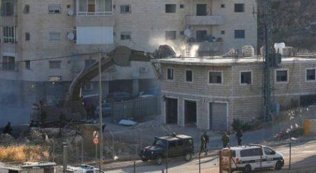 جيش الاحتلال الاسرائيلي يشرع في عمليات هدم المنازل الفلسطينية في جنوب شرق القدس
