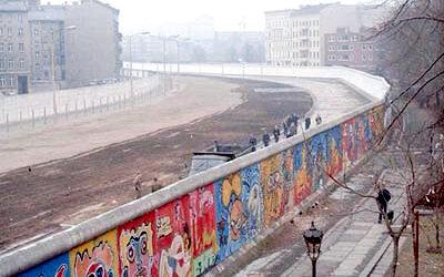 ألمانيا تحتفل بالذكرى الثلاثين لسقوط جدار برلين