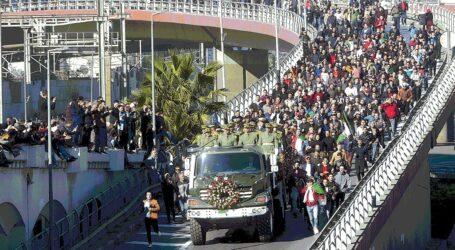 وفاة المجاهد الفريق قايد صالح: الرئيس تبون يقرر حدادا وطنيا لمدة ثلاثة أيام