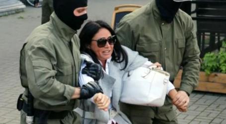 شرطة بيلاروس تعتقل المئات خلال تظاهرة نسائية