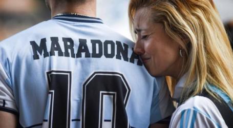 الأرجنتين تبكي أسطورة كرة القدم دييغو أرمندو مارادونا